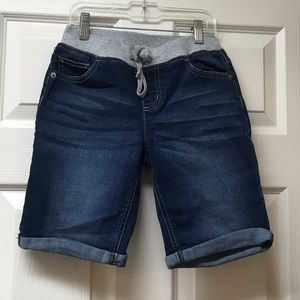 Very nice girls shorts .